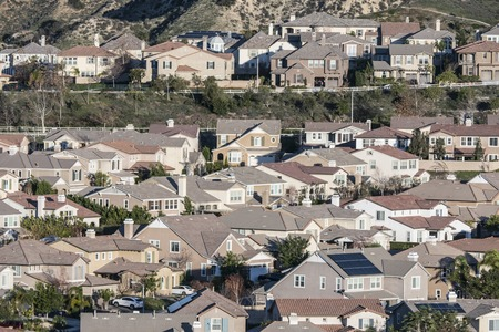 Rows of contemporary Southern California suburban hillside homes. 写真素材