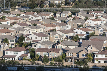 middle class: Rows of contemporary middle class homes near Los Angeles, California.
