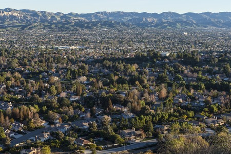 sprawl: Dense suburban neighborhoods near Los Angeles in Simi Valley, California.