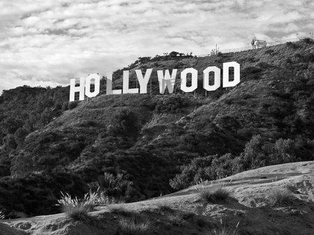 인기있는 그리피스 공원에서 유명한 할리우드 기호 : 2010 9월 29일 - 로스 앤젤레스, 캘리포니아, 미국.