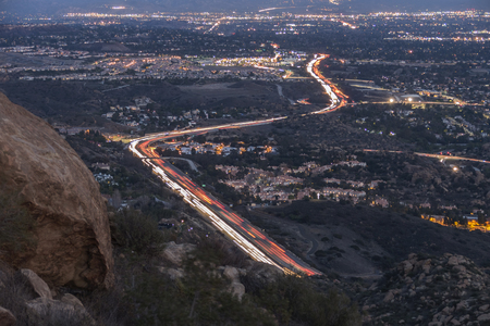 northridge: Los Angeles San Fernando Valley 118 freeway dusk mountain view. Stock Photo