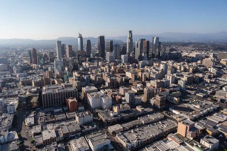Los Angeles, Kalifornien, USA - 6. August 2016: Sommer Nachmittag Luftaufnahme der Innenstadt von Los Angeles Architektur.