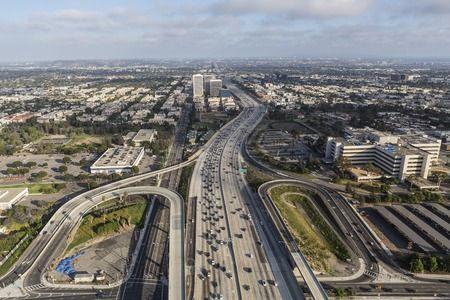 off ramp: Aerial view of the San Diego 405 Freeway at Wilshire Blvd in West LA.