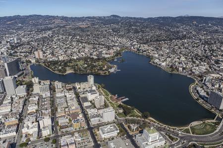 Lake Merritt Park in de buurt van Downtown Oakland, Californië. Stockfoto - 65016732