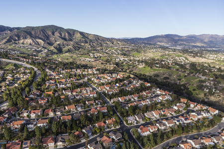 porter house: Suburban houses and streets in the Porter Ranch community of Los Angeles, California.