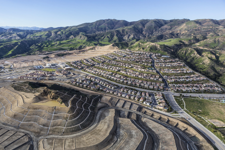 porter house: The City of Los Angeles growing with vast new developments in the Porter Ranch Community.