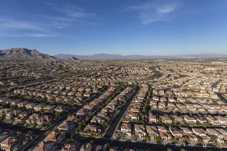 Luchtfoto van de voorstedelijke Summerlin buurt in Las Vegas, Nevada.