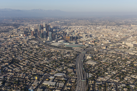 Aerial of summer smog above downtown Los Angeles in Southern California. Banco de Imagens