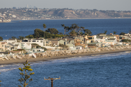 Malibu Colony ocean front homes with Santa Monica Bay and Los Angeles California in background. 版權商用圖片