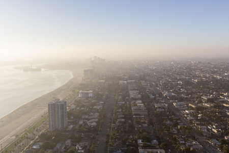Aerial view of pacific ocean fog in downtown Long Beach, California. Banco de Imagens - 93465231