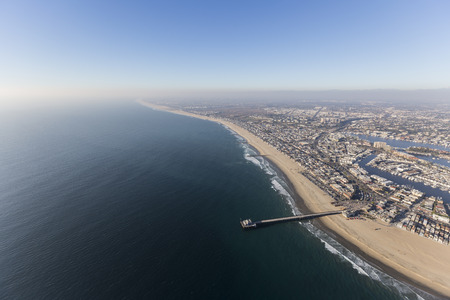 Aerial view of Newport Beach pier with pacific coast fog in Orange County, California. 版權商用圖片