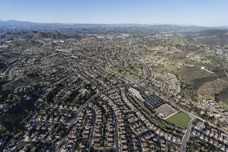 Aerial view of suburban Newbury Park and Thousand Oaks near Los Angeles, California. Banco de Imagens