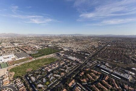 Vue aérienne du paysage urbain de la banlieue de Summerlin dans la pittoresque ville de Las Vegas, Nevada. Banque d'images