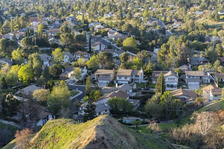 Suburban San Fernando Valley streets and homes in northern Los Angeles, California. 스톡 콘텐츠
