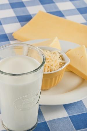 alergenos: Leche y queso son deliciosos alimentos disfrutados por muchos, pero tambi�n son al�rgenos de alimentos Foto de archivo