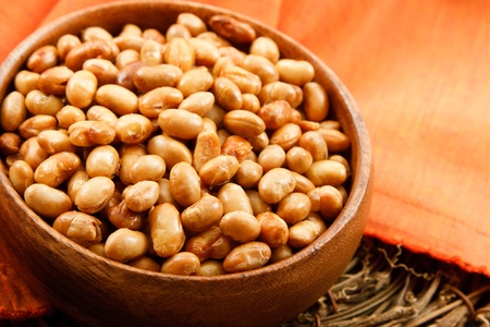 allergic ingredients: Soybeans have many health benefits as well as health risks for those with soy allergies