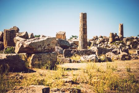 templo romano: antiguo templo griego en Selinunte, Sicilia, Italia. Vista de detalles.