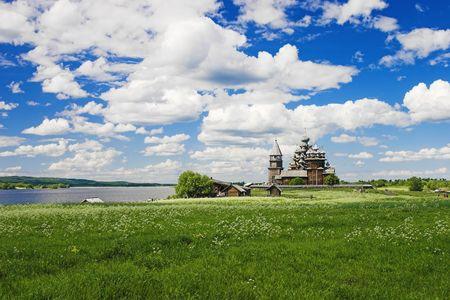 Transfiguratie kerk op Kizji eiland in het Onegameer, Karelië Stockfoto