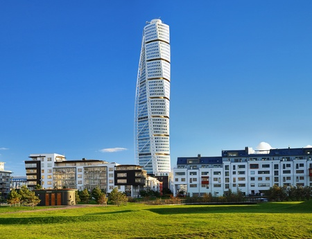 turn: Turning Torso - Skyscraper in Malmo, Sweden