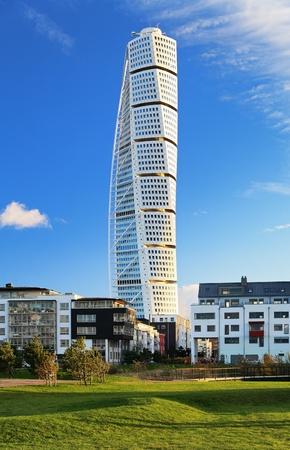 döndürme: Turning Torso - Skyscraper in Malmo, Sweden