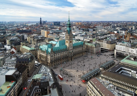 Hamburg, weergave van het stadhuis en de stad panorama, Duitsland Stockfoto