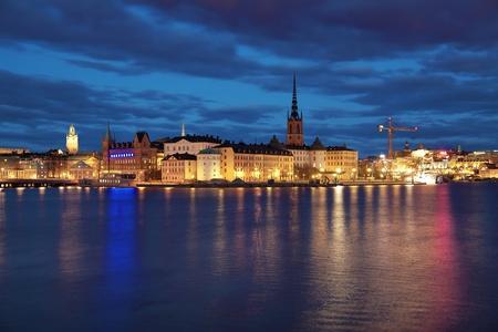 Riddarholmen 島とストックホルム、スウェーデンのガムラスタンの夕景 写真素材 - 9326013