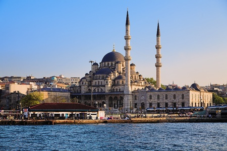 The Yeni Mosque in Istanbul, Turkey photo