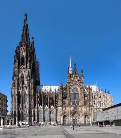 Kölner Dom auf der Südseite, Deutschland Standard-Bild - 12777286