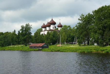 onega: Kargopol, view on the Christmas cathedral from the Onega River, Russia