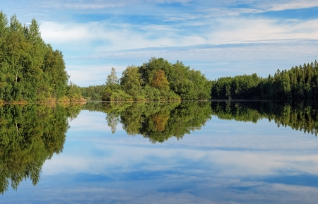 Lesnoe Lake on the Bolshoy Solovetsky Island in calm morning, Solovetsky archipelago, Russia Stock Photo - 16060933