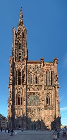 Kathedraal van Straatsburg aan het eind van de zonnige dag, Frankrijk Stockfoto - 19220265
