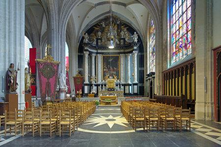 fraternit�: Chapelle Sainte-C�ne avec l'autel de la confr�rie du Tr�s-Saint-Sacrement dans la cath�drale de Notre-Dame � Anvers, Belgique �ditoriale