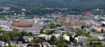 paulus: View on Trier from Petrisberg Mount with St Paulus Church, Basilica of Constantine, Trier Palace, St  Gangolf Church, Church of Our Lady and Trier Cathedral, Germany