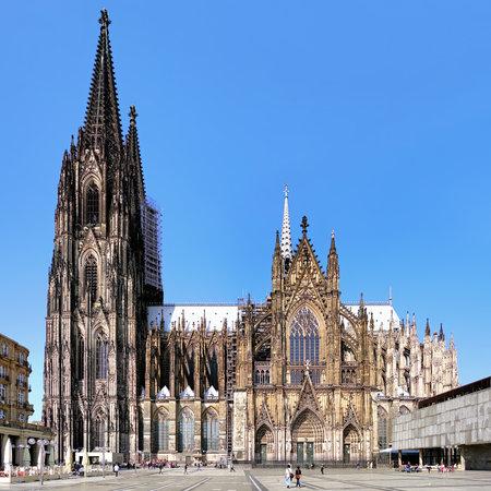 Kölner Dom auf der Südseite, Deutschland Standard-Bild - 29248407