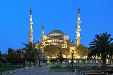 sultan: Sultan Ahmed Mosque (Blue Mosque) in early morning, Istanbul, Turkey
