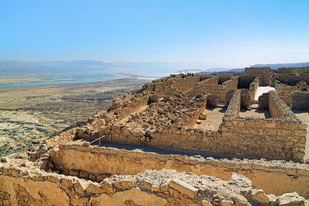 Ruïnes van Herodes Kasteel in de vesting Masada bij de Dode Zee, Israël Stockfoto - 35936807