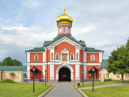church architecture: The Holy Gate with Gate Church of Saint Philip Metropolitan of Moscow in Valday Iversky Monastery Novgorod Oblast Russia