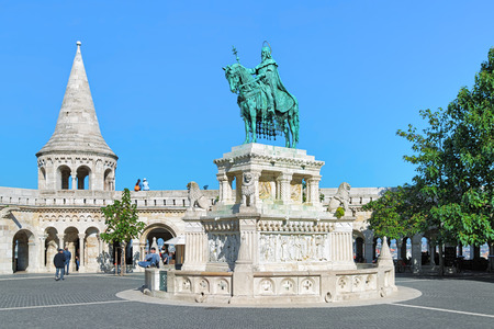 schulek: BUDAPEST, HUNGARY - OCTOBER 2, 2015: King Saint Stephen Monument. The monument by sculptor Alajos Strobl, based on the plans of architect Frigyes Schulek, was unveiled on May 21, 1906. Editorial