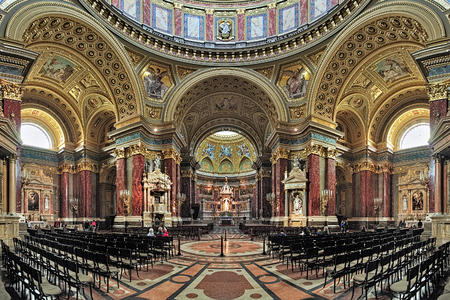 saint stephen cathedral: BUDAPEST, HUNGARY - OCTOBER 3, 2015: Interior of St. Stephens Basilica. It is named in honour of Stephen, the first King of Hungary c 975-1038, whose supposed right hand is housed in the reliquary.