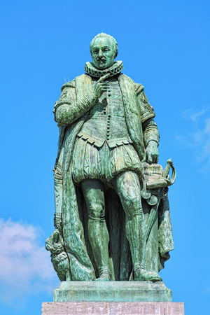 plein: Statue of William the Silent on Het Plein square of The Hague, Netherlands. The statue by the Flemish sculptor Louis Royer was unveiled on June 5, 1848.