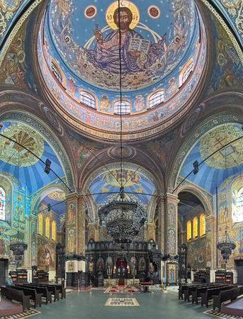 VARNA, BULGARIA - OCTOBER 2, 2017: Interior of Dormition Cathedral. The cathedral was started in 1880 according to design of architect Vasily Maas and finished in 1886 by plans of architect P. Kupka. Redactioneel