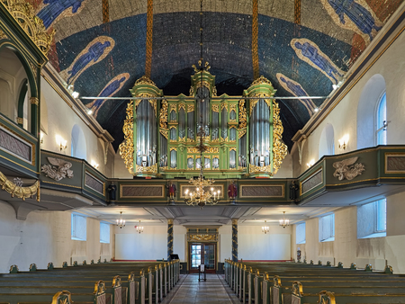 OSLO, NORWAY - JANUARY 23, 2017: Interior of Oslo Cathedral with main organ. The current organ was built by Ryde & Berg Orgelbyggeri in 1997 for the 300-year anniversary of the church. Redactioneel