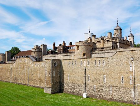 nebulous: View of the Tower of London with a clear sky background
