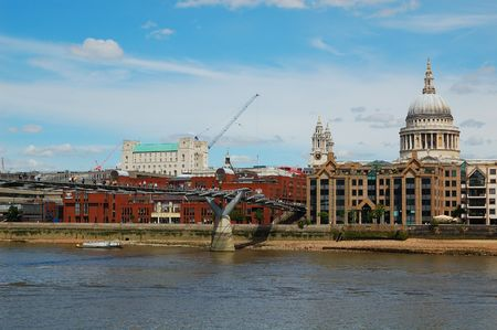 A view of St Paul Cathedral including the Millennium Bridge Stock Photo - 3228733