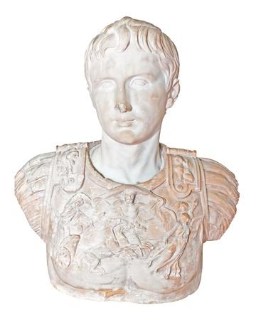 roman: Antigua estatua de mármol del emperador romano Augusto la aislado en blanco Foto de archivo