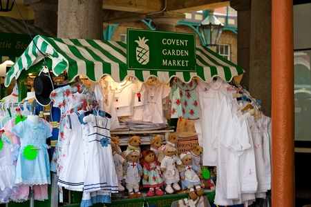 covent garden market: Market stall selling crafts in Covent Garden, London Editorial