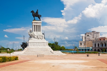 maximo: Statue of the Major General Maximo Gomez in Havana