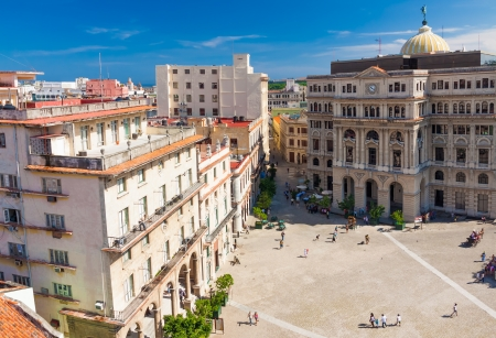vieja: Colorful aerial view of Old Havana with the famous San Francisco Square on the foreground