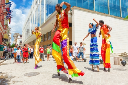 Street dancers on stilts in Old Havana