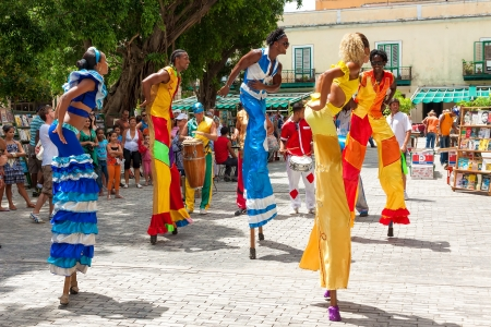 street party: Street dancers in Old Havana